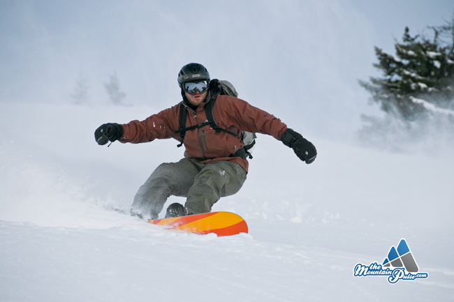 The Mountain Pulse Photo of the Day - 01/03/11 - Snowboarding Powder