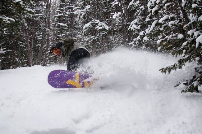 The Mountain Pulse Photo of the Day 02/19/11 - Snowboarding powder in Jackson Hole