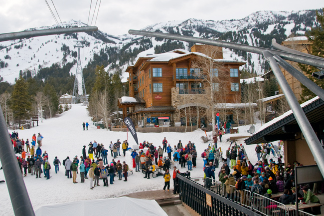 The Mountain Pulse Photo of the Day 03/12/122 - Apres ski in Jackson Hole