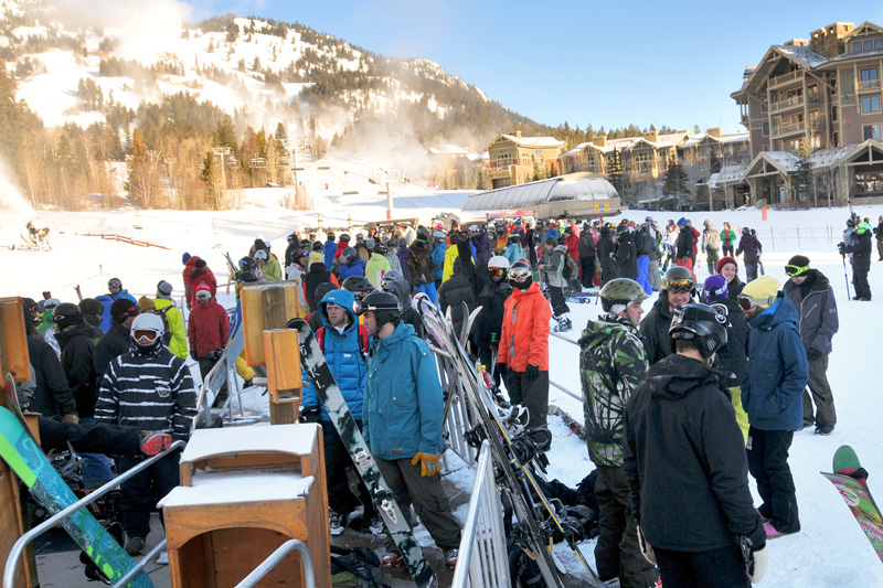 11-26-11_800x533, jackson hole mountain resort opening day, photos, gondola line, the mountain pulse