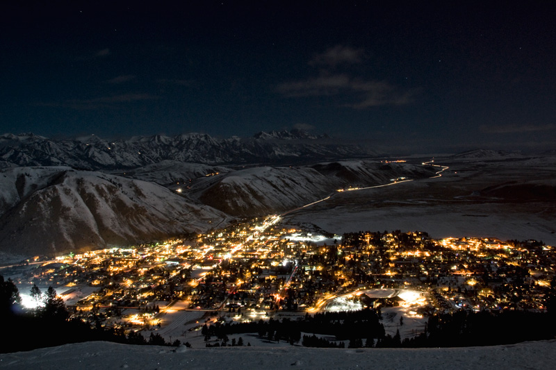 01-08-12_800x533, jackson hole wyoming, night lights, the mountain pulse, snow king