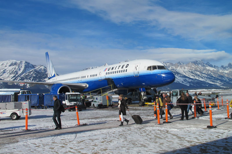 jackson hole airport holiday season