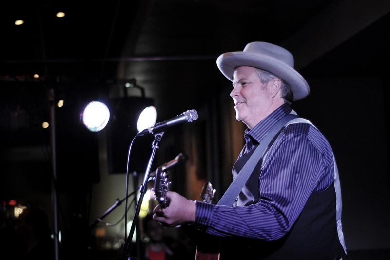 robert_earl_keen_14, robert earl keen, town square tavern, jackson hole wyoming